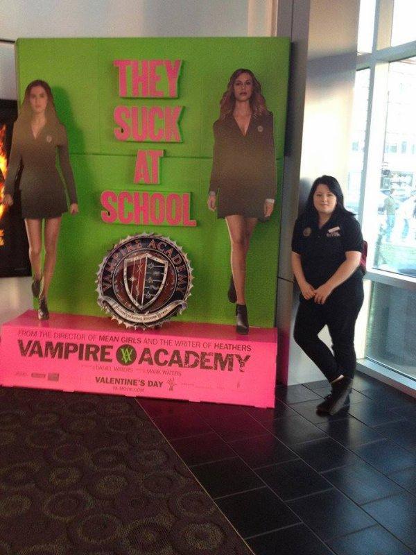#VAMovie / #VampireAcademy premier PLV publicitaire