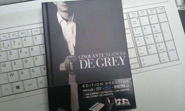 #MonPrécieux j'ai reçu mon édition prestige de #CinquanteNuancesDeGrey !