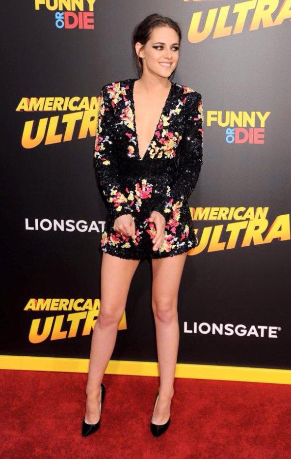 #AmericanUltra avec #KristenStewart quelques photos de l'avant première qui se déroulait hier à Los Angeles