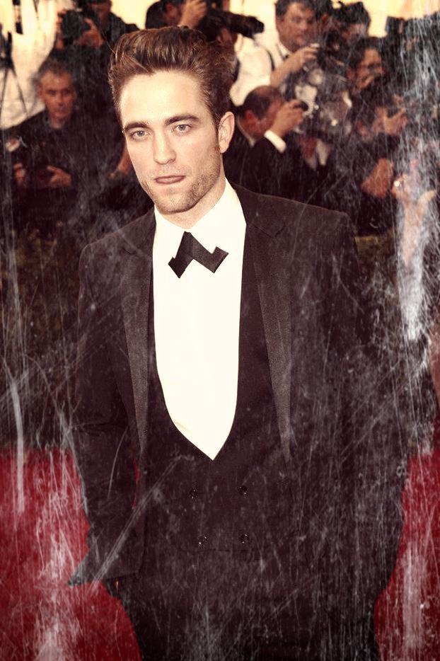 #HappyBirthday Robert Pattinson !