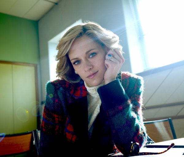 #Cinéma: Nouvelle photo de Kristen Stewart dans le rôle de la Princesse Diana