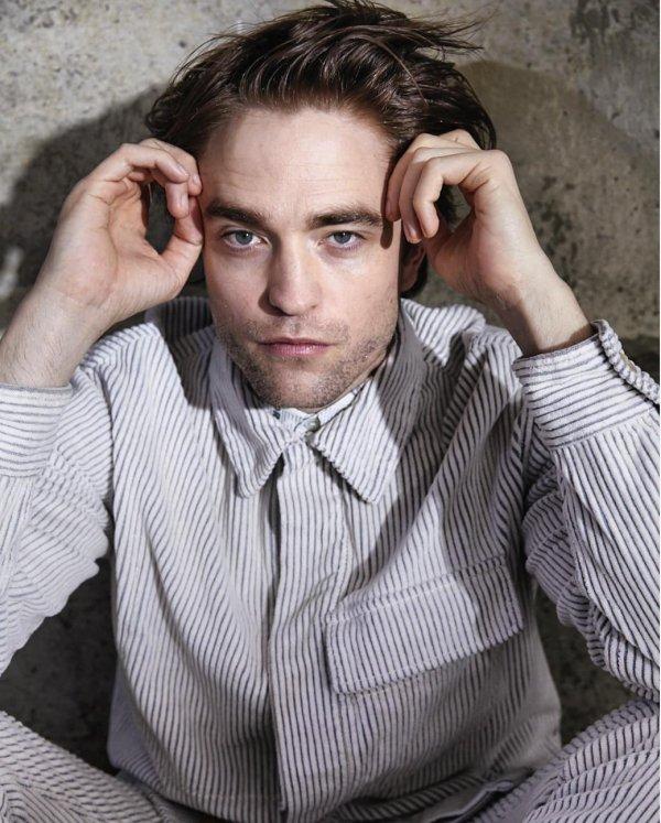 Nouvelle photo de Robert Pattinson pour la promo de TENET
