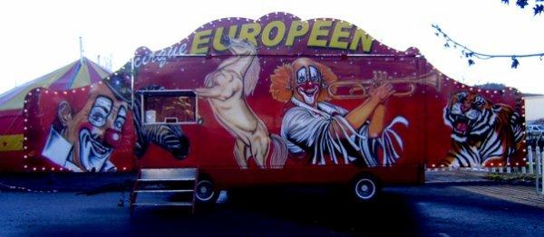 5418 - LA FAÇADE DU CIRQUE EUROPEEN