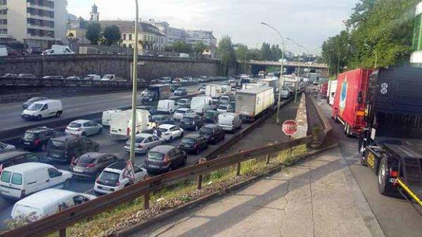 MANIFESTATION DES CIRQUES ET DES FORAINS À PARIS