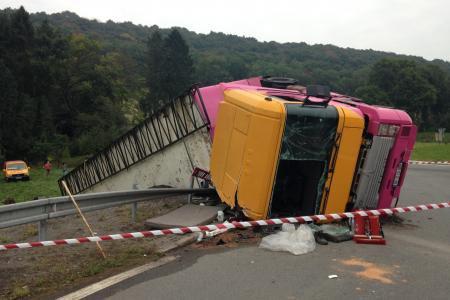 ACCIDENT D'UN CAMION DE CIRQUE