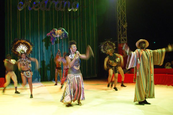 CIRQUE MEDRANO : KING-KONG 02