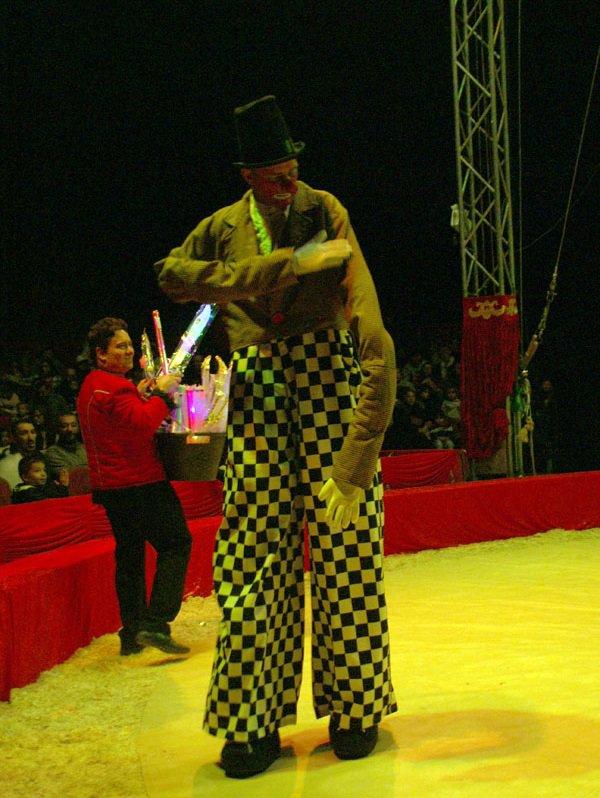 CIRQUE MEDRANO : KING-KONG 01