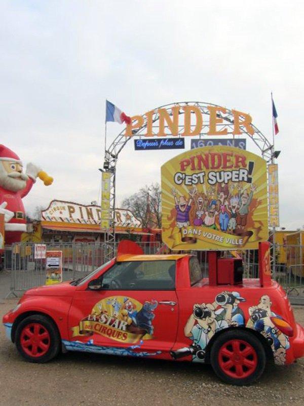 PINDER À PARIS, UN JOUR DE RELÂCHE