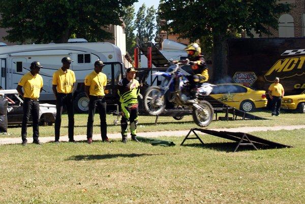 LE MOTOR SHOW CASCADEURS À SEURRE (21) 03