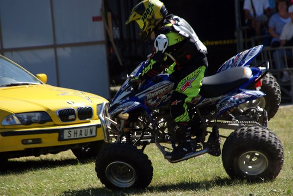 LE MOTOR SHOW CASCADEURS À SEURRE (21) 02
