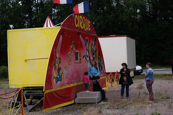 NOUVEAU CIRQUE ALBARON À MONT-SOUS-VAUDREY (JURA).01