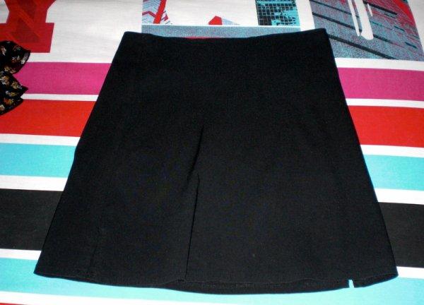 Mini jupe noir jny taille 36 très bon état