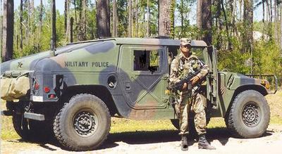 hummer militaire et police tuning2006. Black Bedroom Furniture Sets. Home Design Ideas