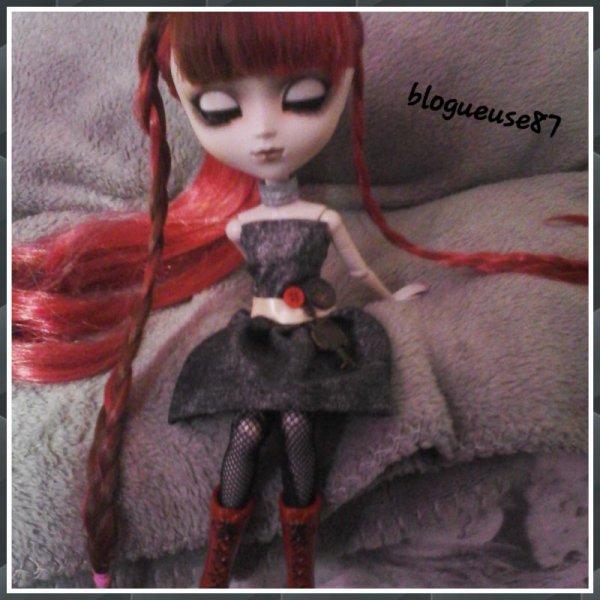 Wihelmina: elle est cro belle cette robe !!!!! *0* *ouh la la Kim déteint sur moi T_T *