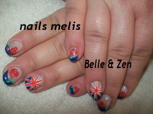 Angleterre + ses roses, mosaique, arabesque, ongles pleins + hibiscus ...... tout faaaait a mains levées!