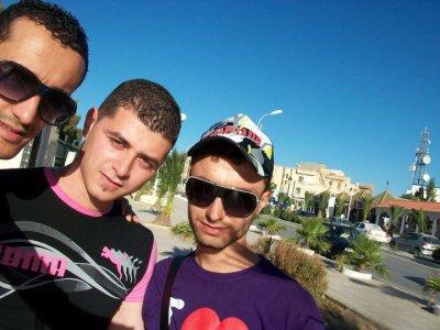 moi et mes amis de la willaya de bourdj bou arriredj