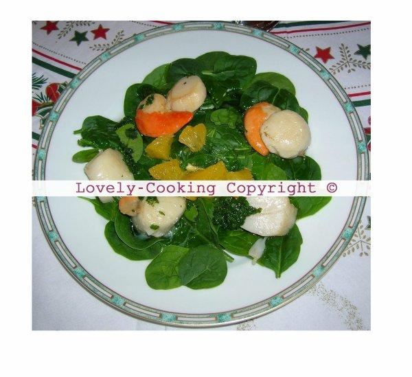 Noix de Saint Jacques poêlées et sa salade de pousses d'épinards