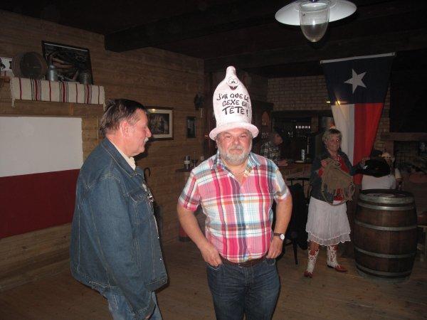 Anniversaire de notre Père Vers au Texas Coyote (suite)