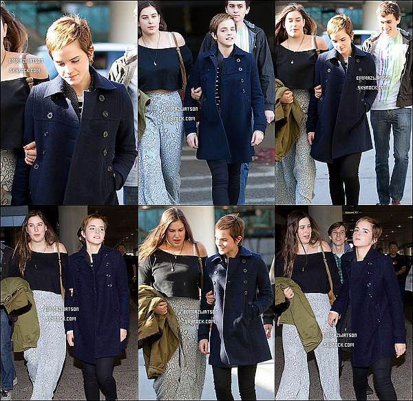 . 01/01/11X-Emma à était aperçu, lorsqu'elle quitter l'aéroport LAX à Los Angeles accompagnée d'une femme. .