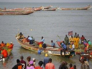 Arrivée des pêcheurs à MBOUR