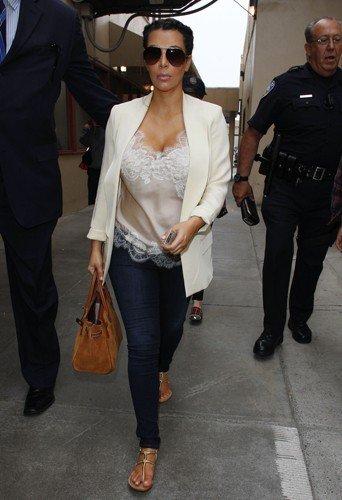 look kim kardashian ses plus beau look de femme enceinte partie 3 beauty bird. Black Bedroom Furniture Sets. Home Design Ideas