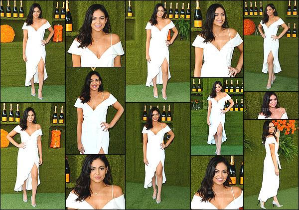 . 14/10/17 - Bethany Motaétait à la 8eme cérémonie des Veuve Clicquot Polo Classic- in Los Angeles. (+)Côté Look:. Je trouve la robe que porte miss Bethany.M absolument magnifique, c'est un nouveau top que j'accorde à la belle californienne. .
