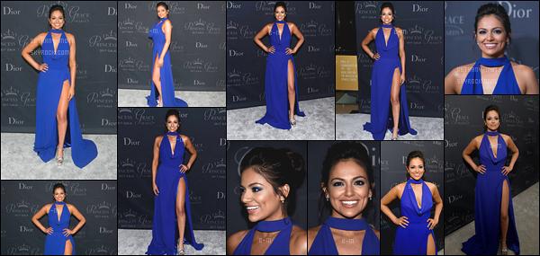 . 24/10/17 - L'incroyable Bethany Motaétait à l'événement des Princess Grace Awards- in Hollywood. (+)Côté Look:. Bethany portait une belle robe bleue -laissant apparaître ses formes- qui lui allait à ravir. Je la trouve divine dans cette robe. TOP. .