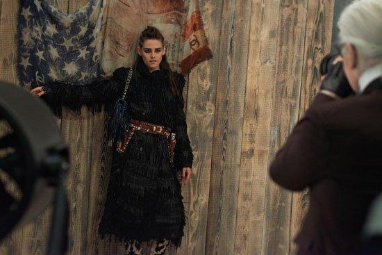 Chanel : Nouveaux clichés, photos BTS , interview et la vidéo behind the scene de la campagne Chanel Métiers D'Art Paris-Dallas