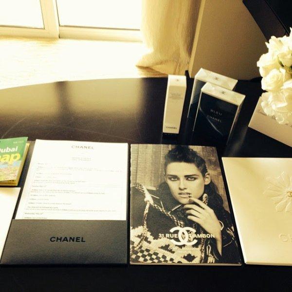 Nouvelle photo de Kristen pour la collection Chanel 'Métiers d'Art Paris-Dallas'