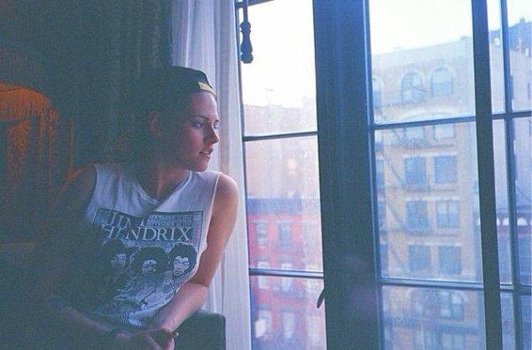 Nouvelle photo de Kristen à NY en mars dernier