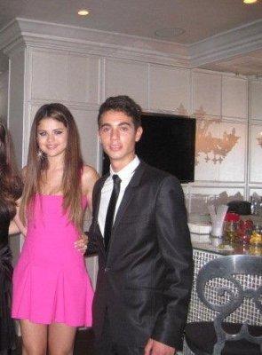 Selena fête ses 20 ans (23/07/2012)