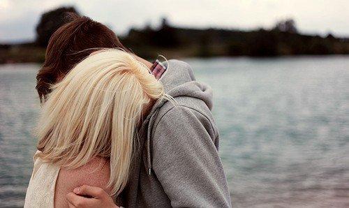 On craint l'amour, on a peur de s'attacher du jour au lendemain, de tomber amoureux, d'être accro car on ne sait pas si c'est réciproque, la dépendance nous terrifie et s'emballer au moindre espoir qui s'ouvre à nous est douloureux.