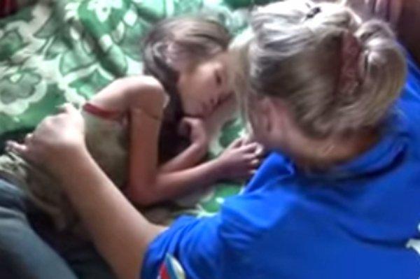 11 jours dans la forêt sibérienne  Karina, 4 ans, sauvée par son chiot
