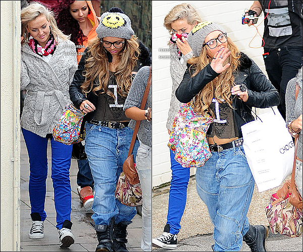 . Le 29 octobre 2011 ~ Les Little Mix arrivaient aux studios de x Factor à Londres..