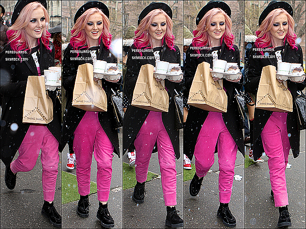 . Le 16 mars 2013 ~ Les Little Mix ont été vues en quittant le Shake Shack (restauration) à NYC..