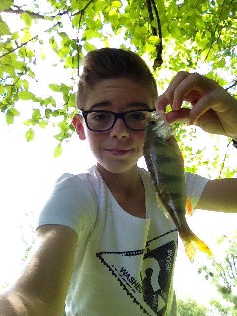 Street-Fisheur-51  fête ses 17 ans demain, pense à lui offrir un cadeau.Aujourd'hui à 07:59