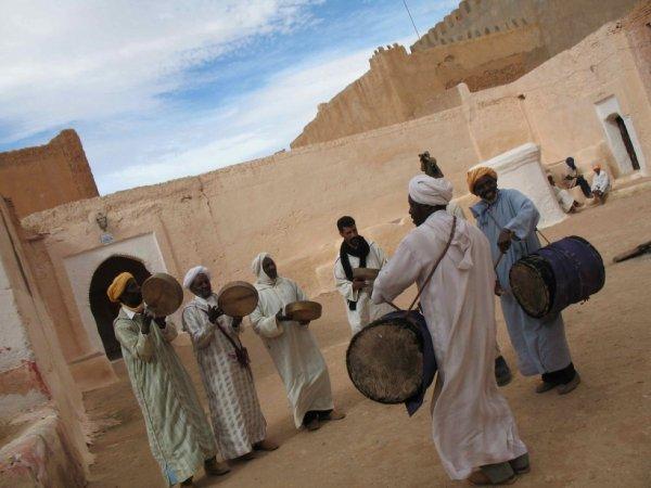 La musica gnawa - maroc - tiznit