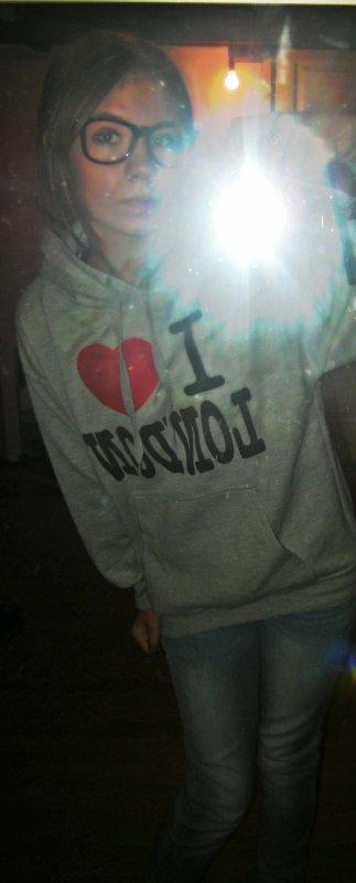 .            PʀеsеntƌtiiơŊ. [LOVE . YOU [♥]