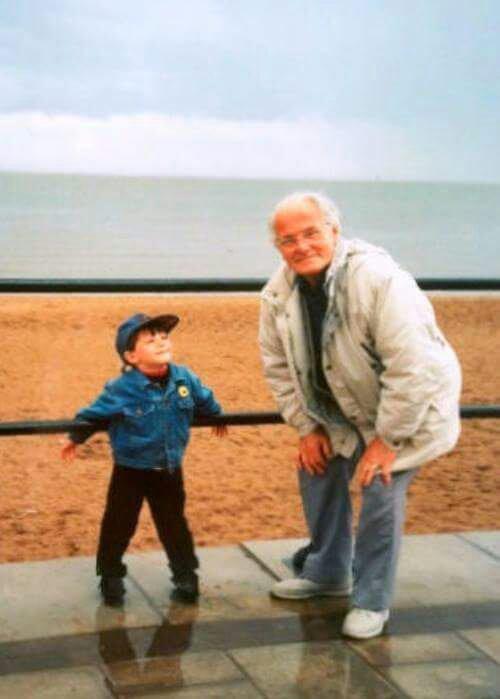 Louis étant plus jeune