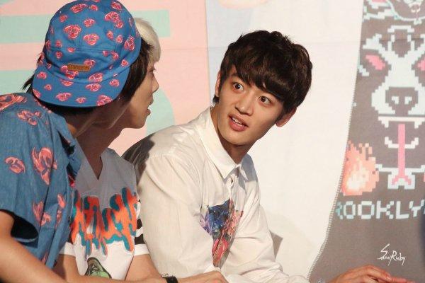 Minho... Jonghyun... Qu'elle drôle de tête!!!!! XD