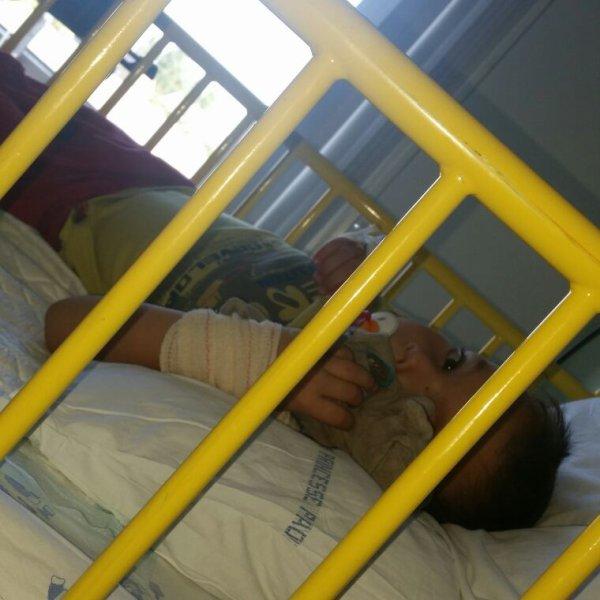 Mon loulou a l'hôpital âpres avoir est tes opéré