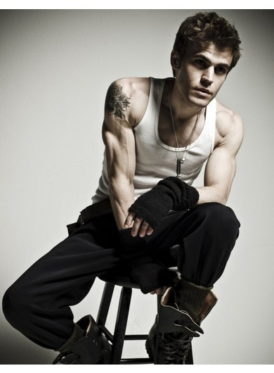STEPHANE SALVATORE ! (paul wesley)