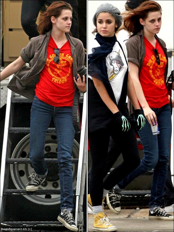 - 21 Octobre 2008 : Kristen Stewart & Nikki Reed était sur le set de Welcom To The Rileys à la Nouvelle Orleans.Ouais alors moi je dis chapeau d'avoir eu le courage de sortir comme sa au naturelle devant les paps .... -