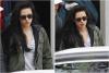 21.11.11 - Une fois de plus. La Kristen Stewart ce rendait sur le tournage de SWATH à Londres  Même habillée l'plus simplement du monde. Cette fille m'fait rêver. J'ai les mêmes converses. *tropheureuse*