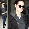 1er février 2012 : Kristen Stewart arrivant à l'aeroport de LAX à Los Angeles. Sa y est, elle n'est plus parmi nous... !!! A retenir de Paris : K. a été super crue avec les paps au point de leur faire des doigts et leur dire de mourir de froid!