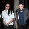03.03.12 : Robert Pattinson et Kristen Stewart se sont rendu sous la giboulée de flashs dans un restaurant parisien.