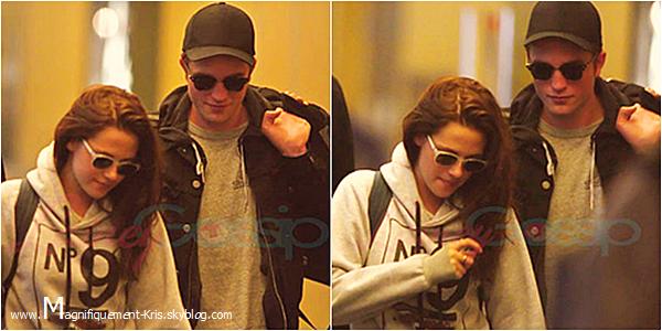 03.05.2012 : Kristen Stewart et le reste de l'équipe ont été vu à l'aéroport de Vancouver. The end. Les re-shootings sont officiellement terminés. J'aime bien son sweat. Bonjour Robert (Il se planque!)