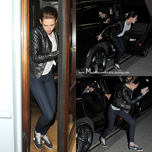 "Evenement + Candid.   Mardi 15 mai : Kristen Stewart quittant le studio de BBC Radio 1 à Londres. Toujours pour la promo de Blanche N. Lundi 14 mai : Miss Stewart et son boy- friend Robert Pattinson quittait une boîte ""Quo Vadios"" à Londres. Yeeah."