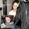 Candid.  Vendredi 01 juin : Kris a été vue à l'aéroport quittant New York pour rentrer à la maison à Los Angeles.
