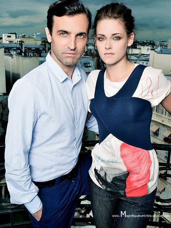 Photo prise à Paris le 28 juin dernier avecNicolas Ghesquière. Découvrez ici l'interview.